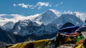 Gokyo Lakes and Everest Base Camp Trek (Cho La Circuit)